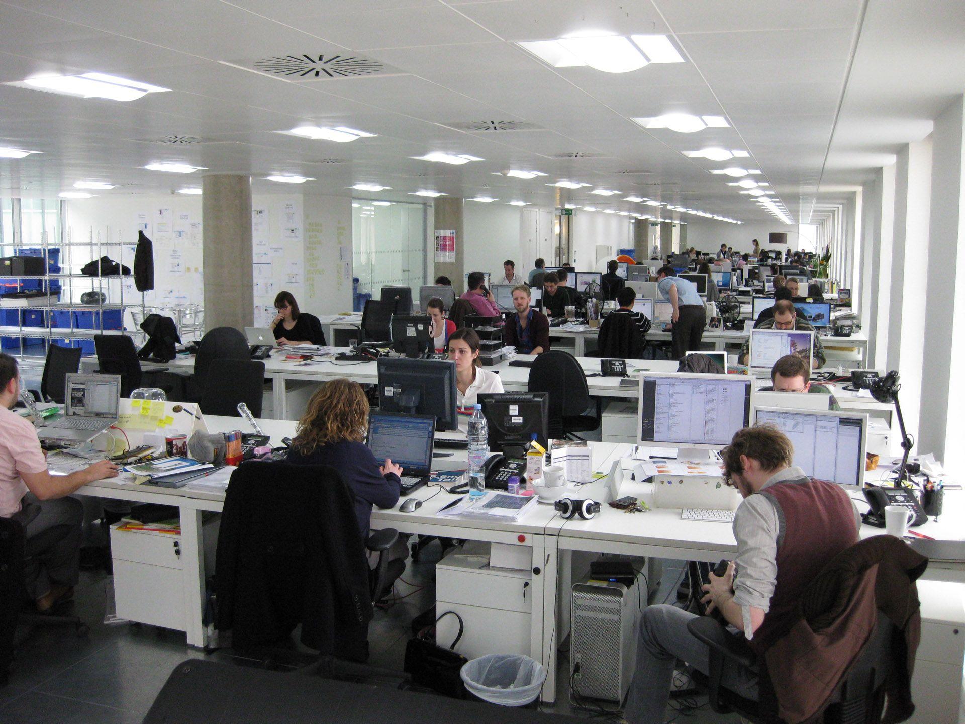 De ce o să fie oribil primul tău loc de muncă în corporație din România